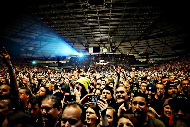 Iron Maiden Blows The Minds Of 16 000 Metalheads In Tacoma