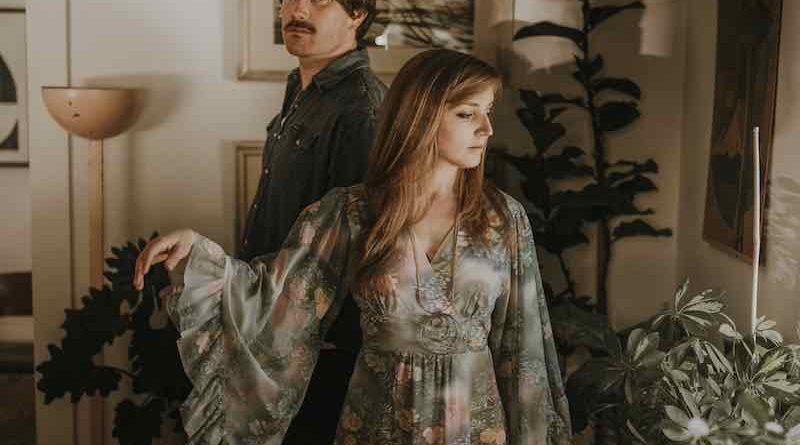 "Premier: Watch Smokey Brights cover ""Dreams"" by Fleetwood Mac"