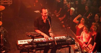 Concert Review: Editors excite a packed room at Neumos