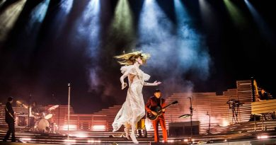 CONCERT REVIEW: Florence and the Machine's High As Hope Tour at Key Arena Creates Magical Experience