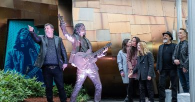 Chris Cornell Statue Unveiled at MoPOP
