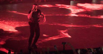 Review: Drake Flies Solo for Tacoma Dome Stop on 'Aubrey & the Three Amigos Tour'