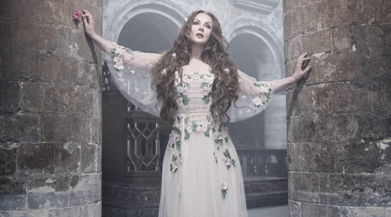 "Sarah Brightman dazzles in ""Hymn"""