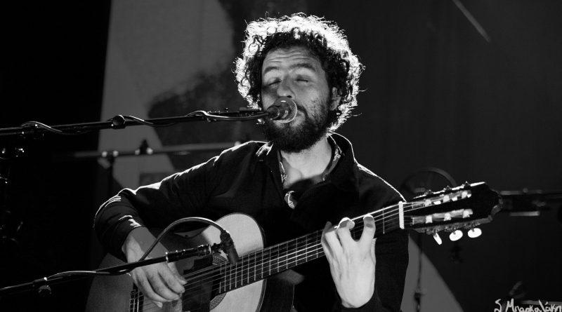 Concert Review: José González captivates Paramount crowd