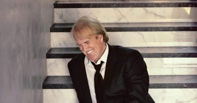 John Tesh coming to Jazz Alley for shows on November 19 – 21