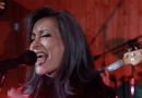 """Premier: Watch Thirteen Finches performing """"Circle To The Left"""" on Earwig Sessions Vol. 3"""