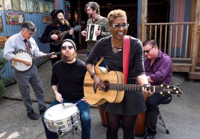 """Premiere: Listen to """"Look Straight Ahead"""" by Paula Boggs Band"""